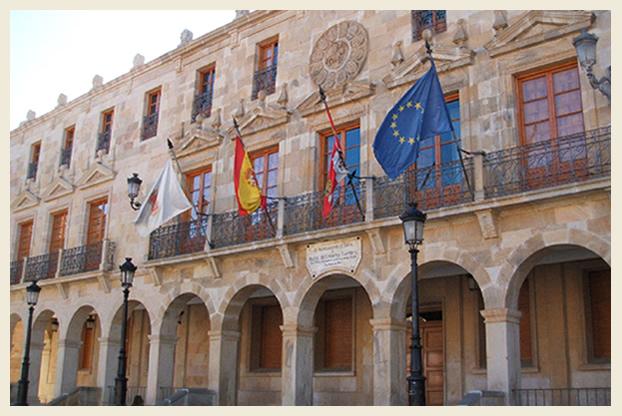 Palacio de los Doce Linajes En la actualidad es sede del Ayuntamiento de la ciudad de Soria