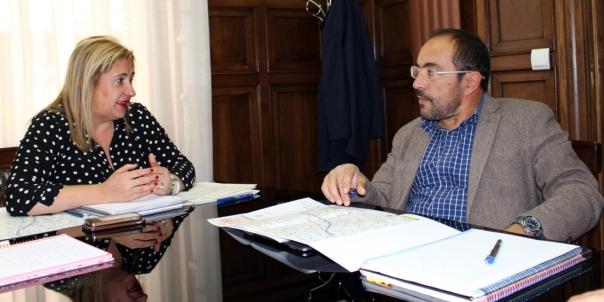 Yolanda de Gregorio y Luis Rey en la sede de la Subdelegación. /S. de G.