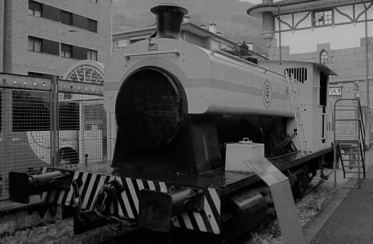 """Locomotora """"Maite"""" (1925). Utilizada en el construcción del ferrocarril S.M. Foto cedida por Jesús Arnal"""